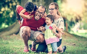 happy-family-370x230.jpg